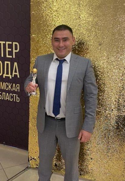 Роман Узаков